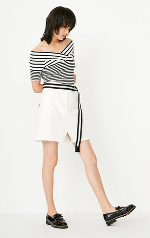 ONLY summer New Women's V-neckline Off-the-shoulder Slim Fit Striped T-shirt|117301562